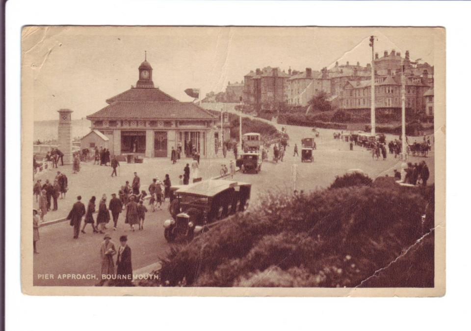 """Post Card of  """"Pier Approach"""" in Bournemouth September 11, 1944 Front"""