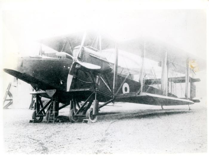 Photo, nd 18, Handley Page.