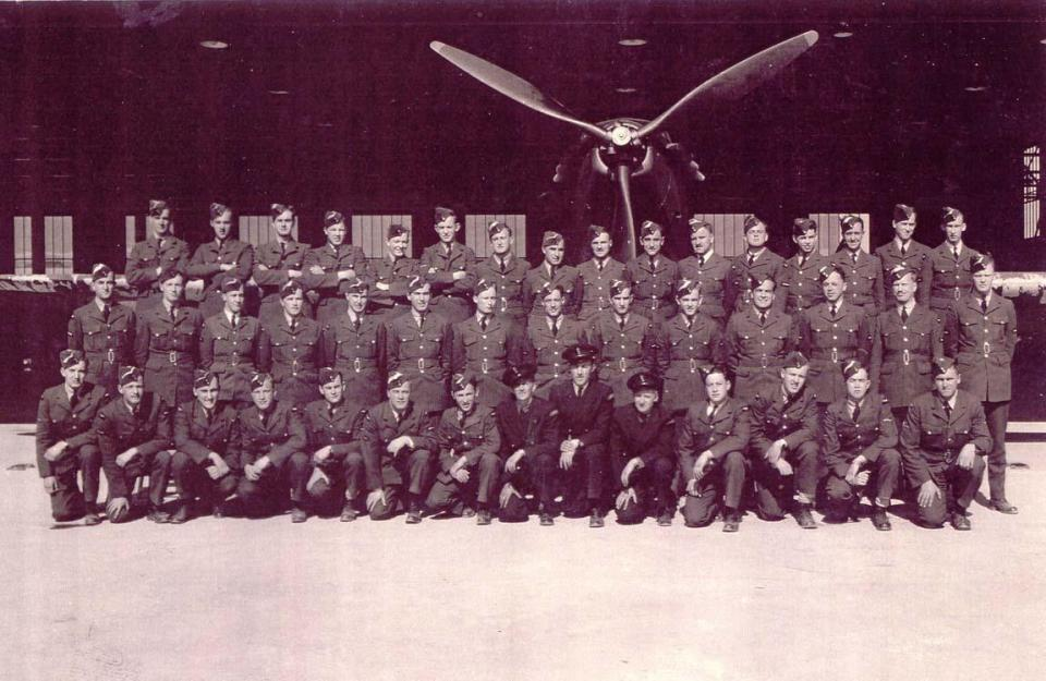 Van Allen: Back row, fourth from right side.