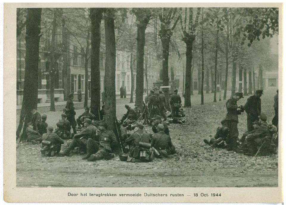 """In English: """"weary Germans rest by pulling back."""""""