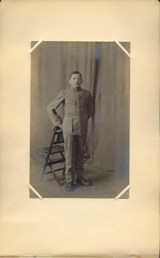 Memory book, photograph, page 32 (front, full page)