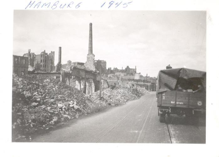 Hamburg 1945 - front